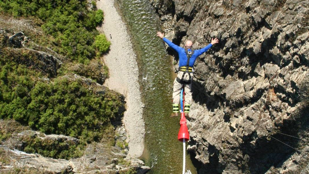 tales-of-reluctant-bungy 16x9